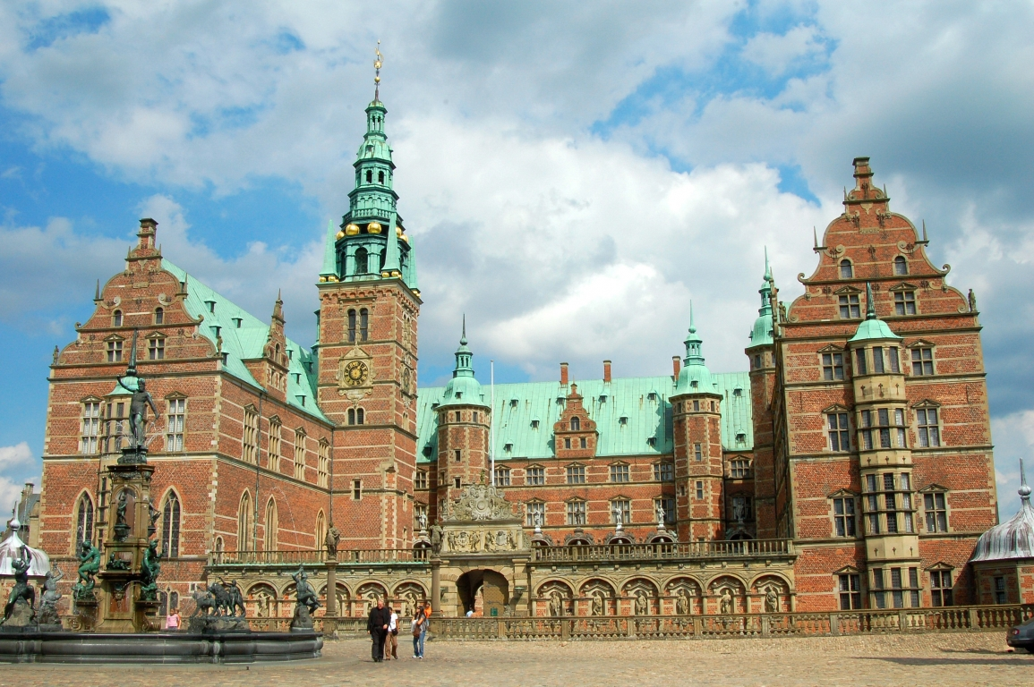 The museum of national history at frederiksborg castle copenhagen - Frederiksborg Palace